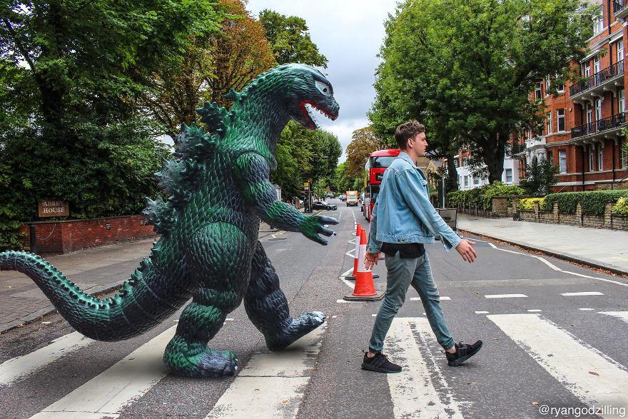 9X cùng anh bạn khủng long đi khắp thế gian-5