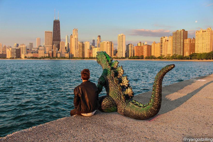 9X cùng anh bạn khủng long đi khắp thế gian-1