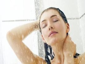 Bạn có thể mất mạng nếu mắc sai lầm này khi tắm vào mùa đông