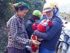 9 cô giáo miền núi đỡ đẻ cho thiếu phụ trên đường