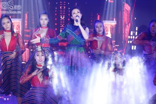 Đông Nhi mashup 5 ca khúc hit trong năm 2017, 2 quán quân The Voice lần đầu song ca-2