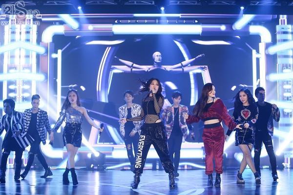 Đông Nhi mashup 5 ca khúc hit trong năm 2017, 2 quán quân The Voice lần đầu song ca-8