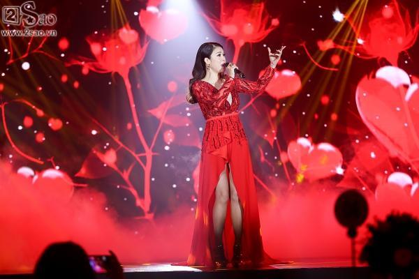 Đông Nhi mashup 5 ca khúc hit trong năm 2017, 2 quán quân The Voice lần đầu song ca-3