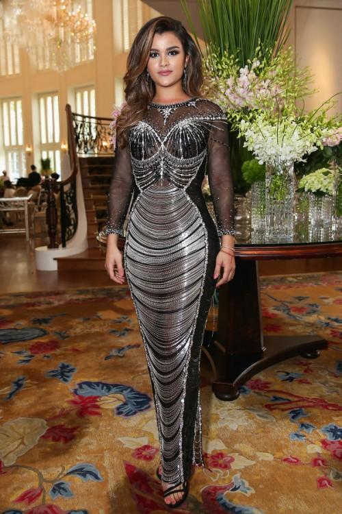 Đến cả những chiếc váy cũng xuất hiện phiên bản song sinh, giống hàng tái chế đến 99%-1
