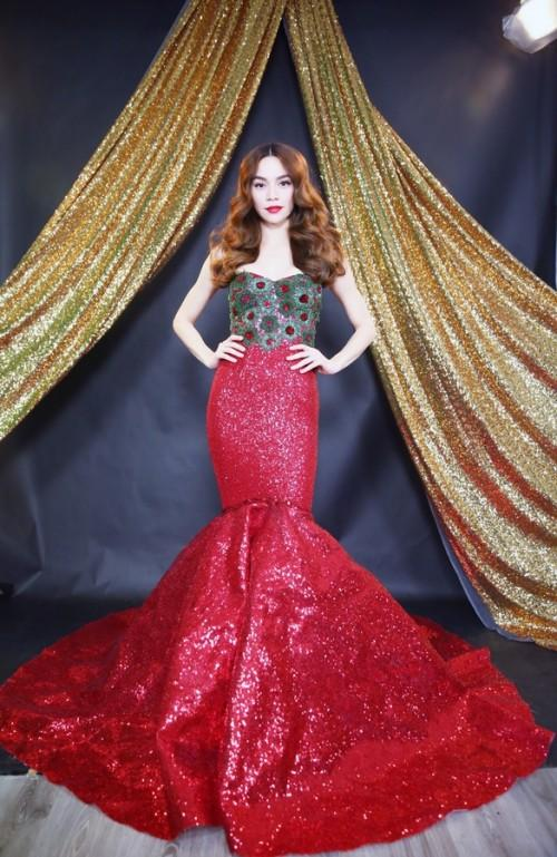Đến cả những chiếc váy cũng xuất hiện phiên bản song sinh, giống hàng tái chế đến 99%-4