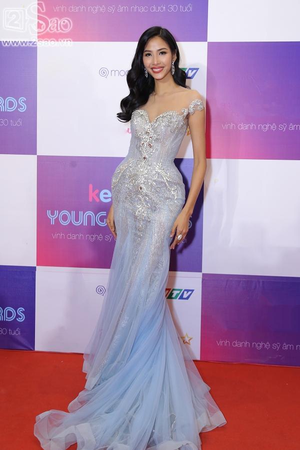 Hoàng Thùy chẳng ngán khi đụng độ váy áo với Hoa hậu Đại Dương Lê Âu Ngân Anh-2