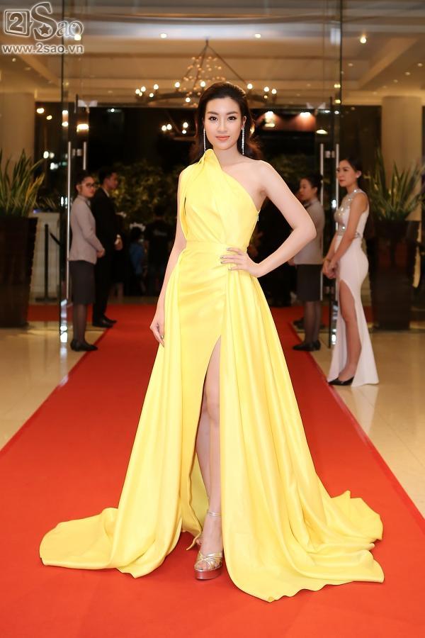 Giữa dàn hoa hậu lộng lẫy váy áo, HHen Niê không chịu lép vế-10