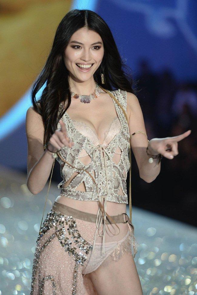 Người mẫu Victorias Secret khoe ảnh sống ảo tại Nha Trang-8