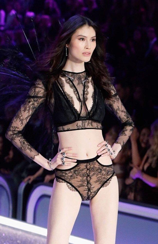 Người mẫu Victorias Secret khoe ảnh sống ảo tại Nha Trang-6