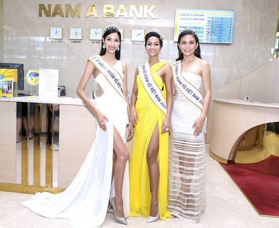 Tân hoa hậu H'Hen Niê tham quan hội sở Nam A Bank-1