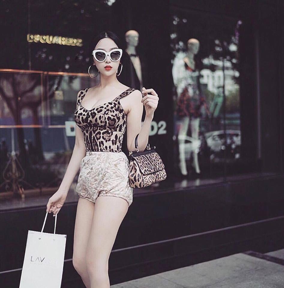 Hồ Ngọc Hà - Huyền Baby lên đồ mát mẻ hết cỡ nổi bật nhất street style tuần qua-8