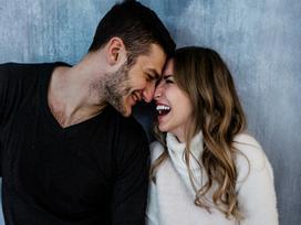 Những lời nói dối vô hại nhưng cực đáng yêu, ông chồng nào cũng nên rót vào tai vợ!