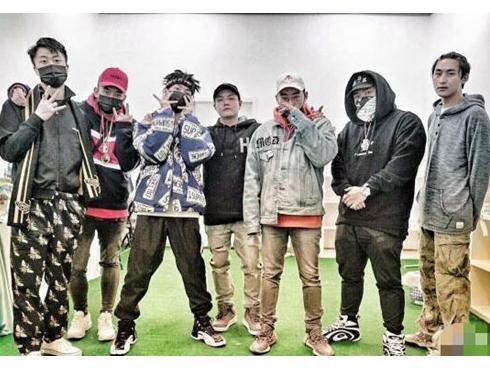Ngoại tình với Lý Tiểu Lộ, PGone khiến nhóm nhạc rap điêu đứng