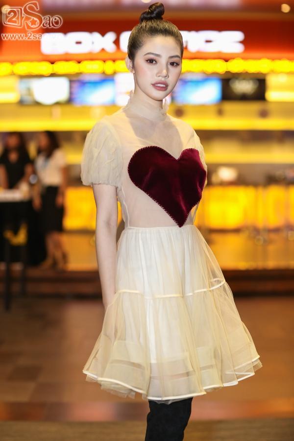 Hari Won đẹp dịu dàng đến chúc mừng tình cũ-13