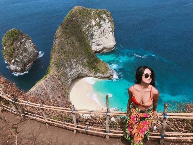 Kỷ niệm trầy da tróc vẩy ở Bali của nàng nấm lùn sexy-1