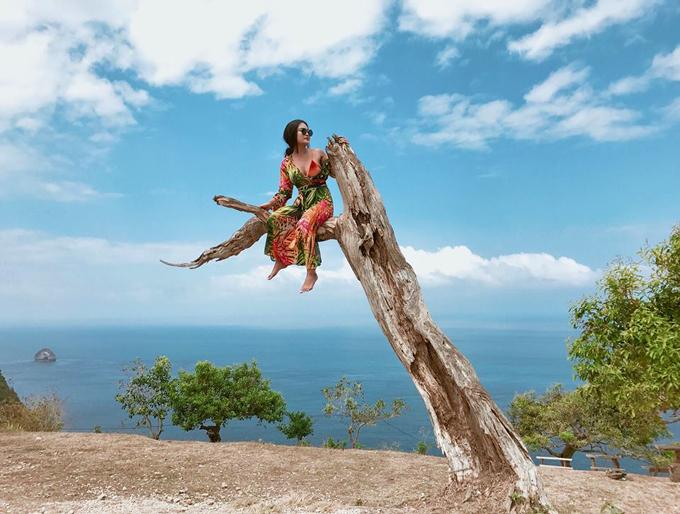 Kỷ niệm trầy da tróc vẩy ở Bali của nàng nấm lùn sexy-2
