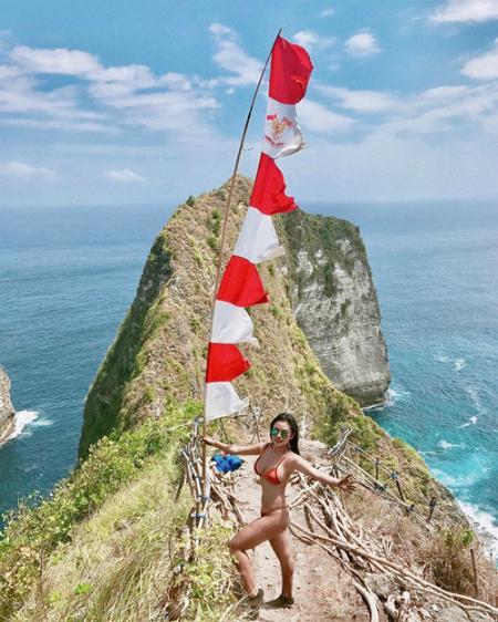 Kỷ niệm trầy da tróc vẩy ở Bali của nàng nấm lùn sexy-3