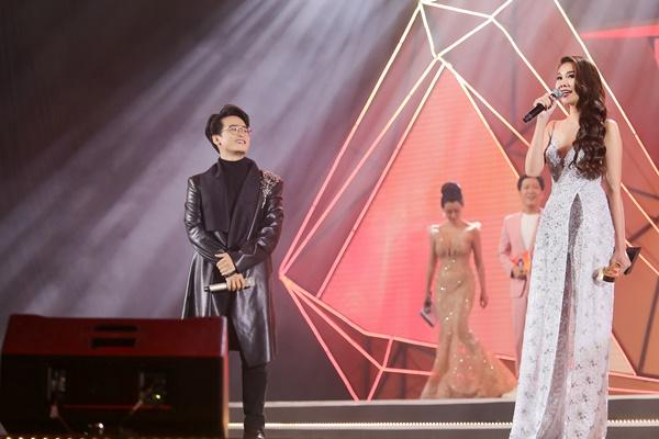 Đã sai lại còn cố cãi, Trường Giang bị siêu mẫu Thanh Hằng chặt chém ngay trên sân khấu lớn-7
