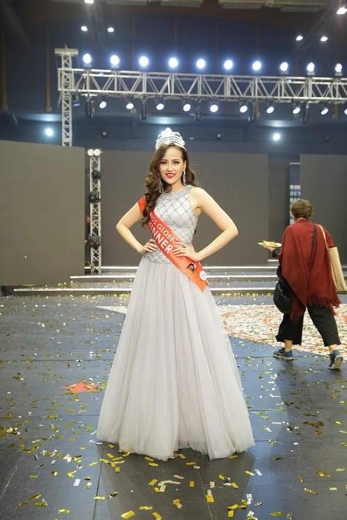 Hết Đặng Thu Thảo, Hari Won... giờ đến Mâu Thủy cũng mê đắm chiếc váy này-8