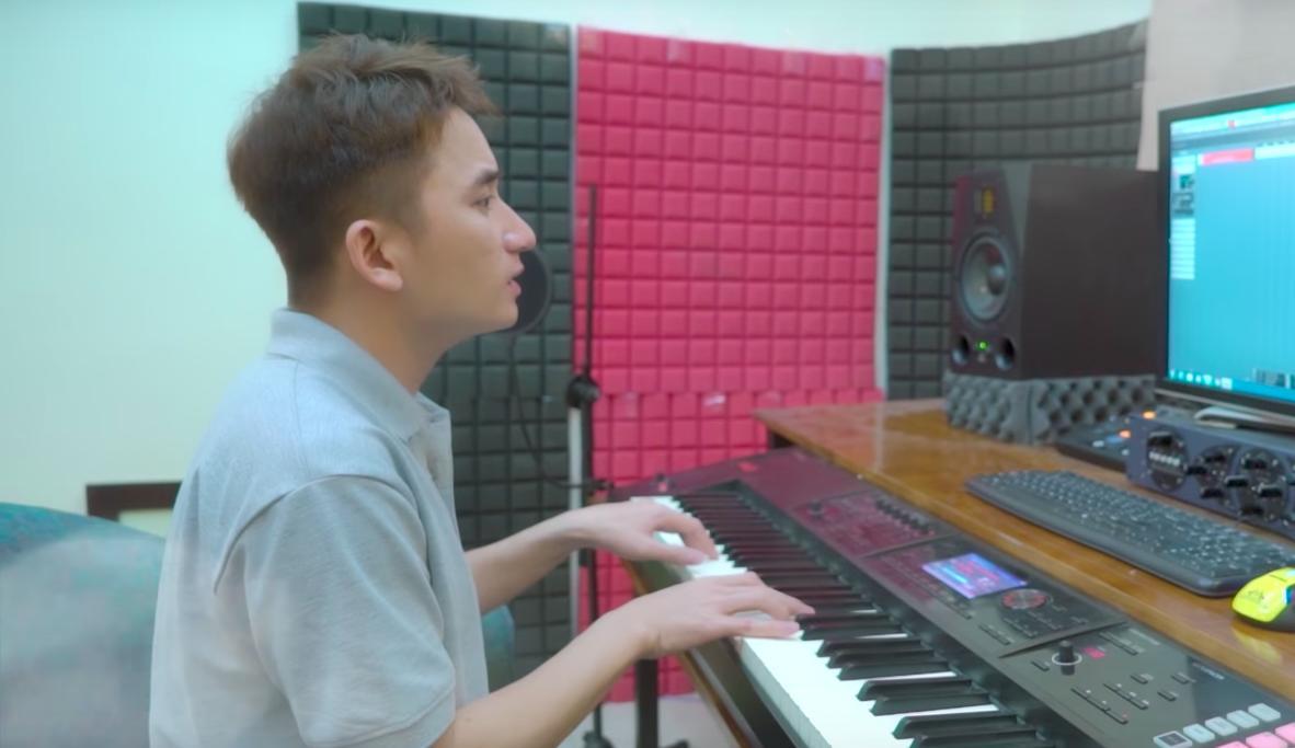 Cuối cùng, Phan Mạnh Quỳnh cũng cover đủ hai ca khúc viết riêng cho Mỹ Tâm trong album vol.9-3