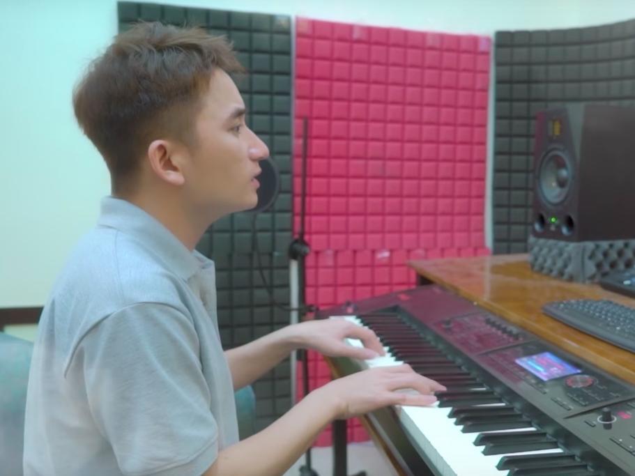 Cuối cùng, Phan Mạnh Quỳnh cũng cover đủ hai ca khúc viết riêng cho Mỹ Tâm trong album vol.9