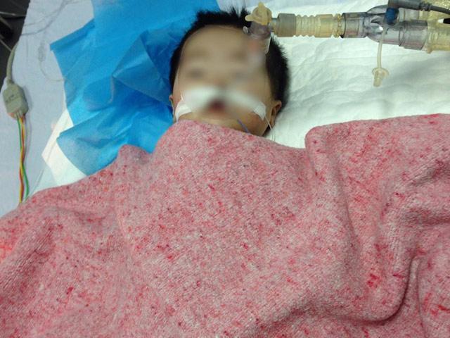 Công bố nguyên nhân bé 8 tháng tuổi ở Hà Nội nguy kịch sau tiêm thuốc-2
