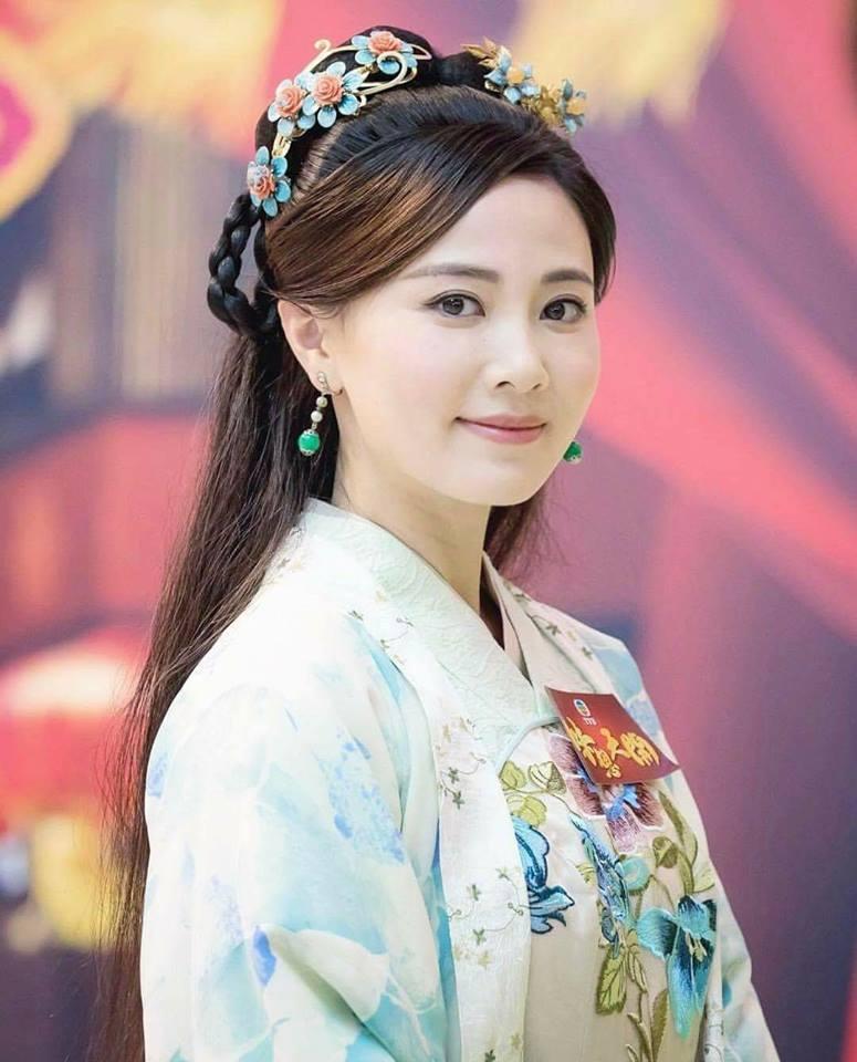 Đóng trùng vai với Lê Tư và Xa Thi Mạn, Hoa hậu Hong Kong bị chê xách dép đàn chị-3