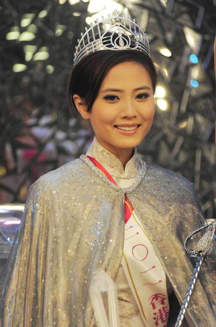 Đóng trùng vai với Lê Tư và Xa Thi Mạn, Hoa hậu Hong Kong bị chê xách dép đàn chị-2