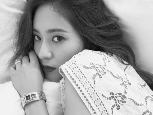 Hết CL 'đá xoáy' YG, đến lượt Krystal ám chỉ SM liên tục hủy bỏ kế hoạch comeback của F(x)