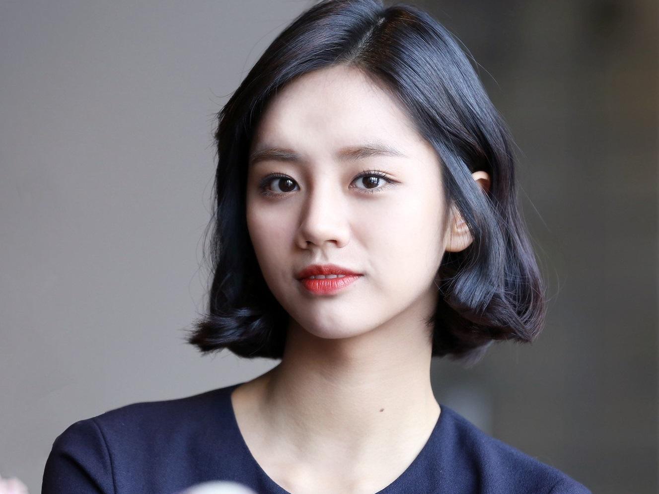 Sao Hàn 19/1: Nữ diễn viên 'Reply 1988' viết thư tay xin lỗi vì diễn xuất tệ hại