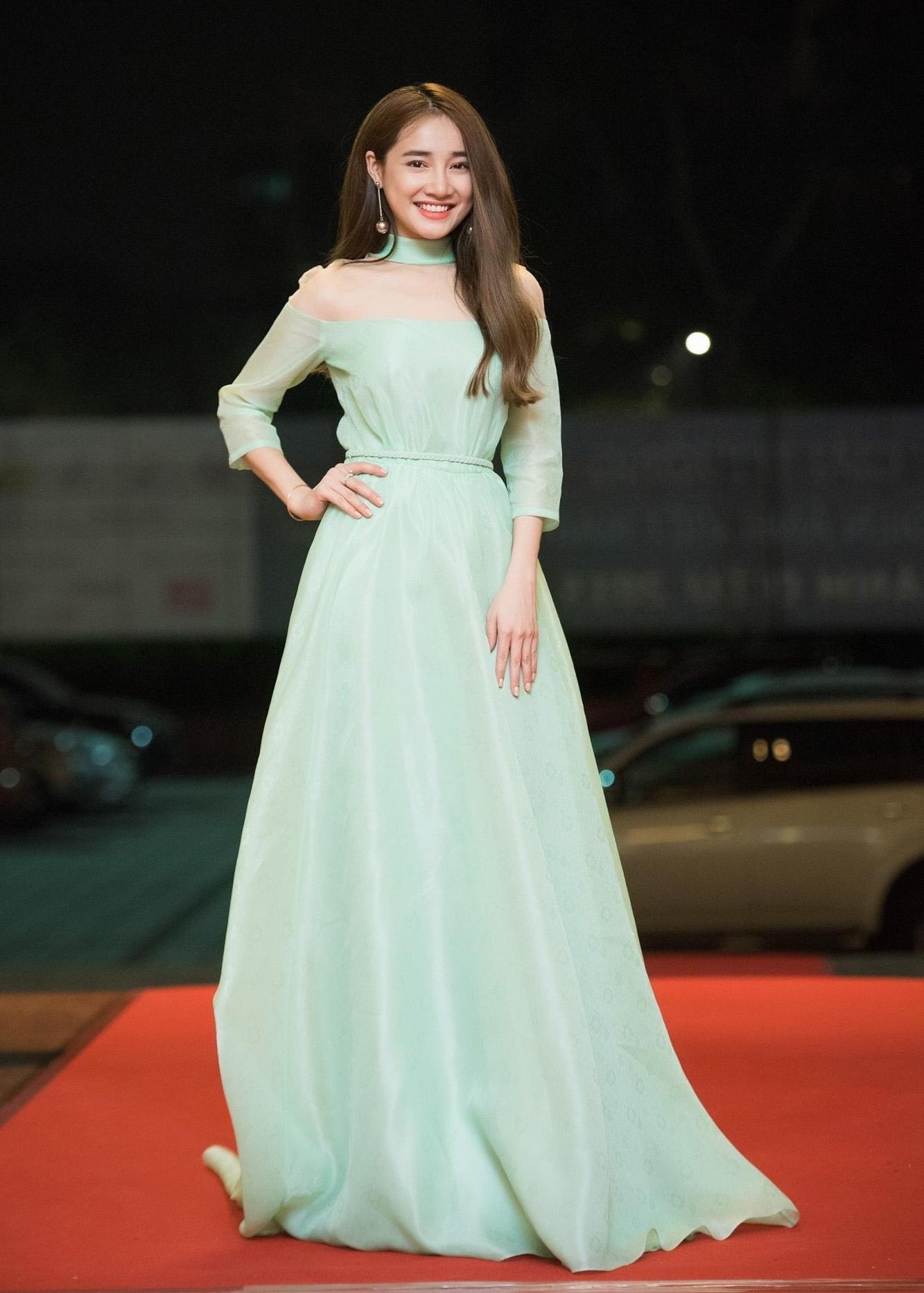 Phong cách thảm đỏ như công chúa mà Nhã Phương vô cùng yêu thích-5