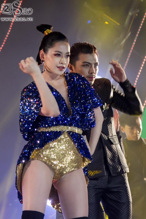 Hát live chênh phô, Chi Pu vẫn giành giải Ca sĩ đột phá của năm-3