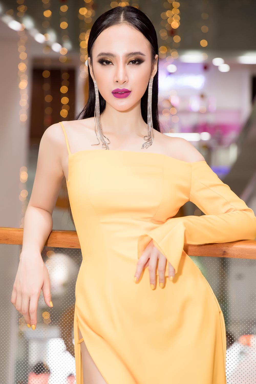 Angela Phương Trinh diện đầm xẻ bạo, hội ngộ dàn diễn viên Glee-1