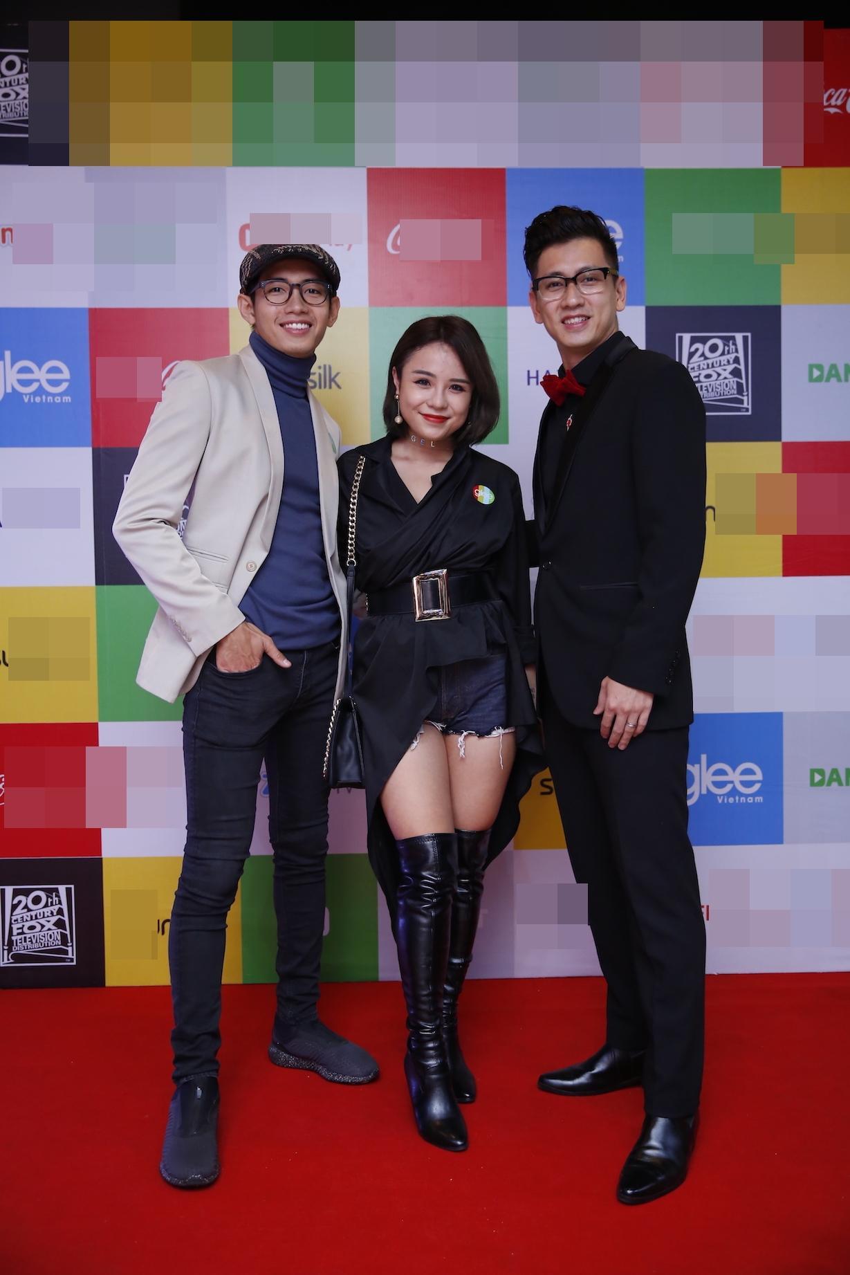 Angela Phương Trinh diện đầm xẻ bạo, hội ngộ dàn diễn viên Glee-8