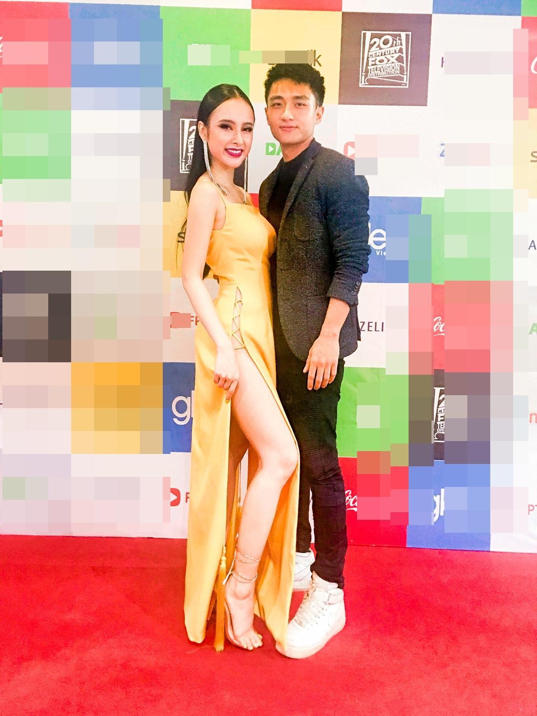 Angela Phương Trinh diện đầm xẻ bạo, hội ngộ dàn diễn viên Glee-6