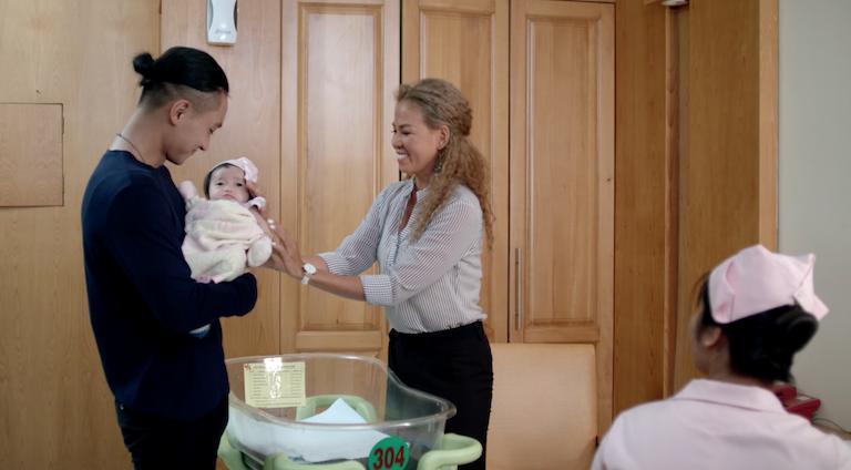 Sau tất cả, Angela Phương Trinh và Hữu Vi hạnh phúc lên chức cha mẹ-8