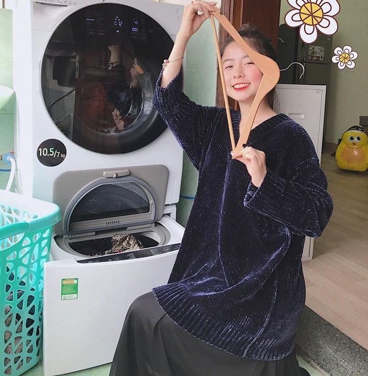 Hot girl - hot boy Việt: Tú Linh nói Lễ trao giải Mai Vàng như show diễn hài-5