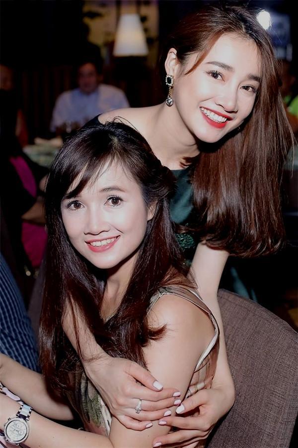 Chị gái Nhã Phương: Tôi ủng hộ Trường Giang cầu hôn trên sân khấu-2