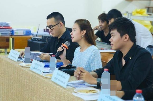 Hot girl - hot boy Việt: Tú Linh nói Lễ trao giải Mai Vàng như show diễn hài-2