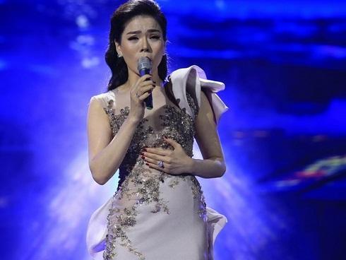 Lệ Quyên hát nhạc Trịnh: Khác lạ đến thảm họa?