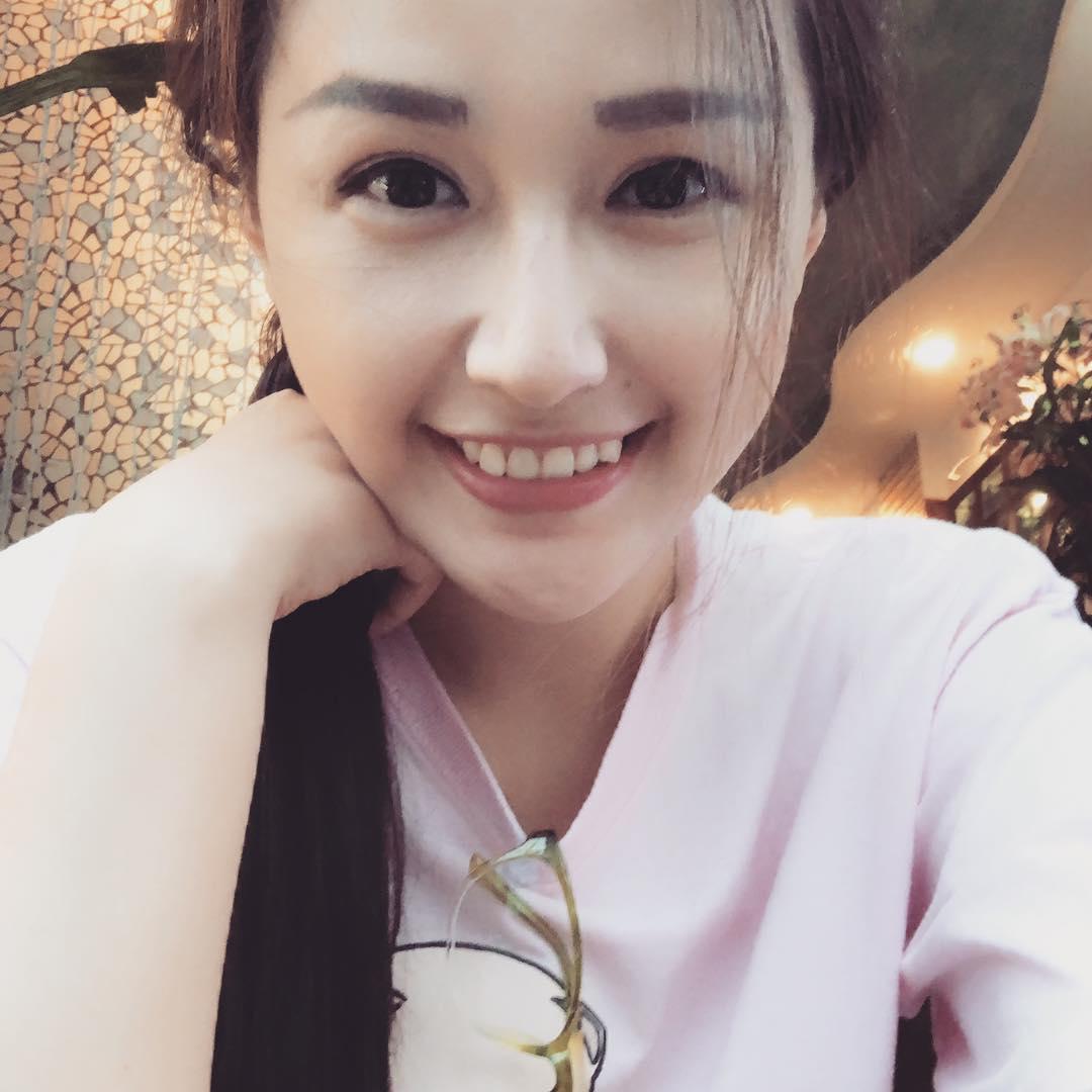 Tin sao Việt: Ngọc Trinh khẳng định vòng eo 56 centimet vẫn còn nguyên vẹn-9