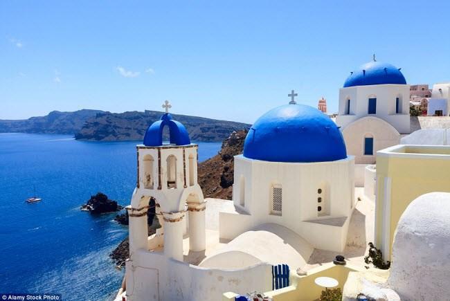 Những điểm du lịch được nhuộm màu xanh đẹp mê mẩn khắp thế giới-1