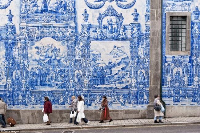 Những điểm du lịch được nhuộm màu xanh đẹp mê mẩn khắp thế giới-2