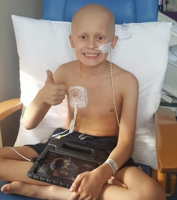 Cậu bé ung thư chiến đấu từng ngày để đón em gái chào đời-2