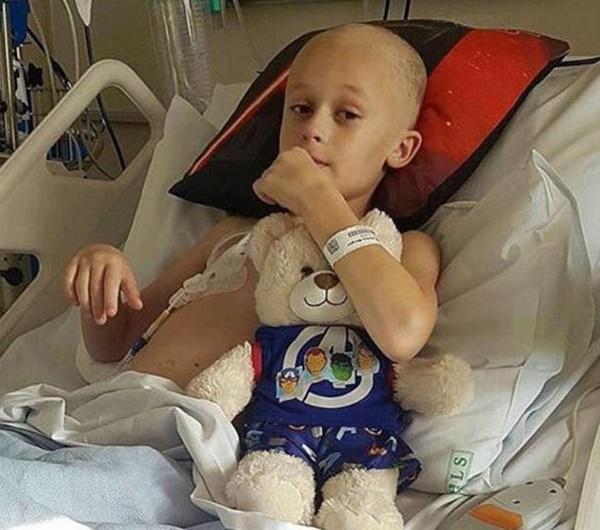 Cậu bé ung thư chiến đấu từng ngày để đón em gái chào đời-3