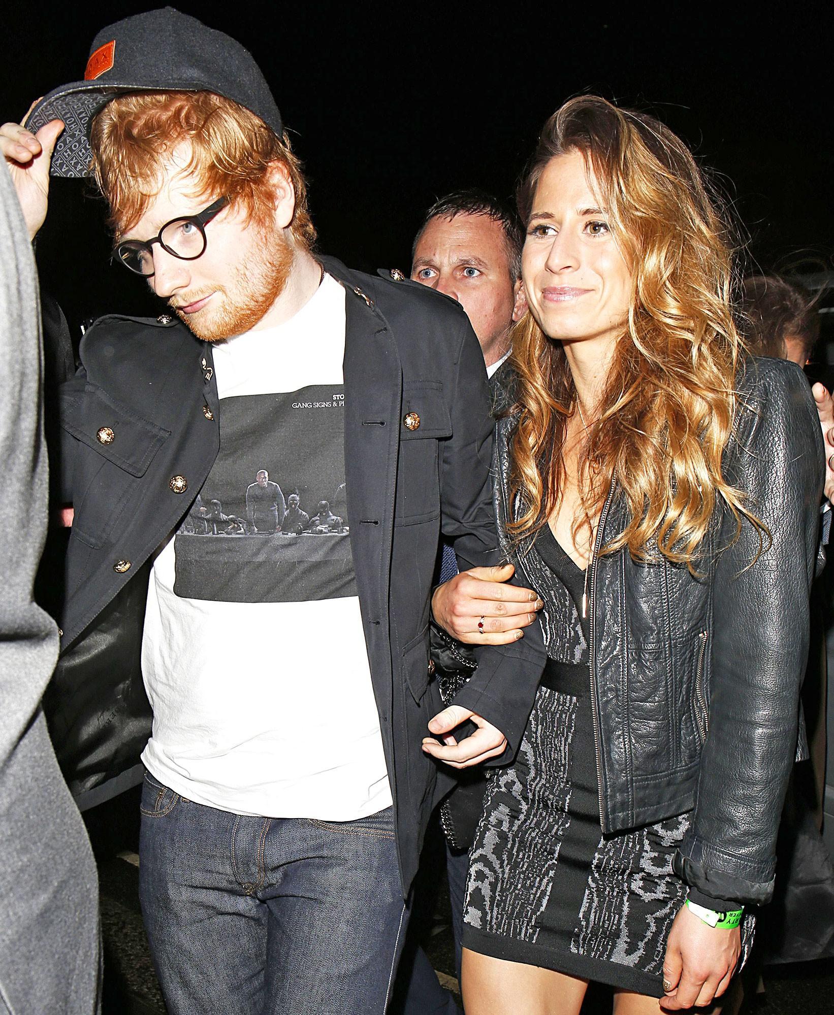 Chủ nhân hit Shape Of You Ed Sheeran đính hôn với người bạn thời thơ ấu-2