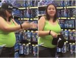 Cô gái bị 'gấu' biến thành trò cười trong siêu thị