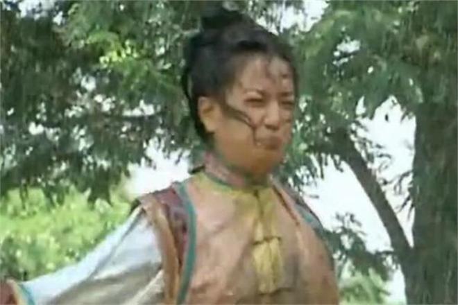 Châu Kiệt lại tiết lộ gây sốc: Triệu Vy phải uống nước phân ngựa trong Hoàn Châu cách cách-3