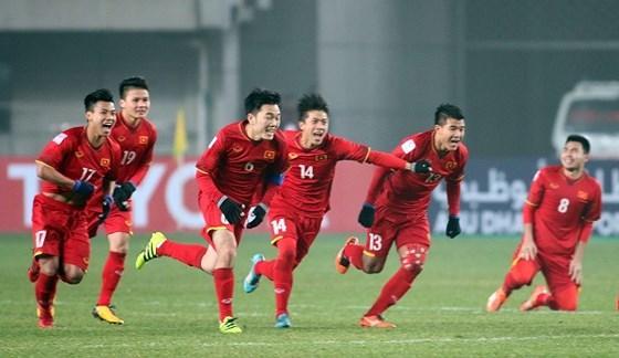 Phương Thanh kể chuyện từng bị công an bắt vì đua xe mừng chiến thắng bóng đá-1