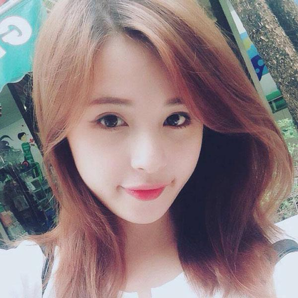 Nhan sắc xinh như mộng của những cô nàng là bạn gái các chân sút đội tuyển U23 Việt Nam-8